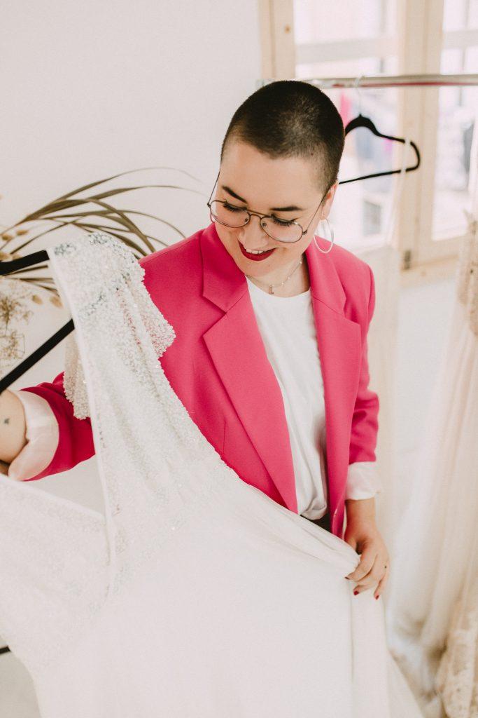 coco de riquer_probar vestidos de novia